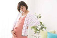 妊娠中の姿勢は体に大きな負担が!